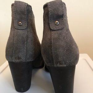 f1c7918c4a6 Brand New UGG Womens Cobie II Healed Ankle Boots